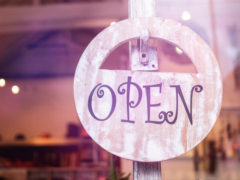 Estem oberts! Seguim treballant per tú!!