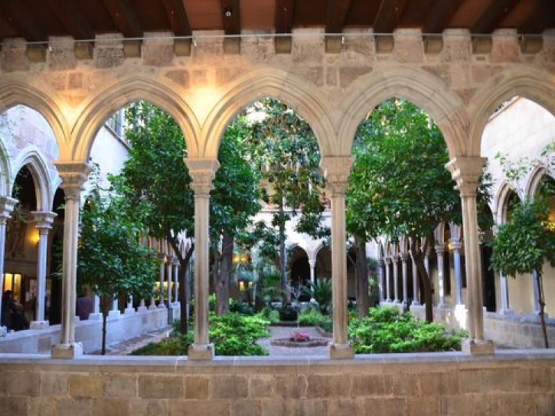 Misa en honor a los comerciantes del Eixample en la Basílica de la Purísima Concepción